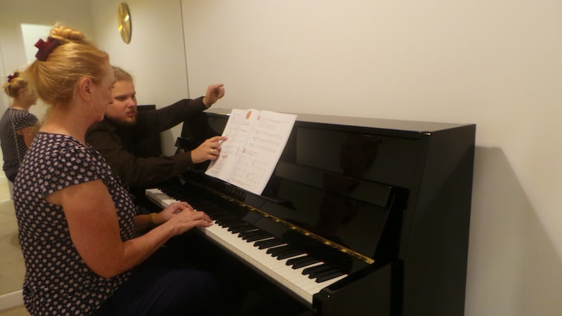 piano classes in Dubai - melodica.ae