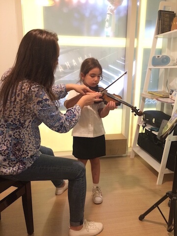Violin Classes in Dubai - Melodica Music and Dance Institute