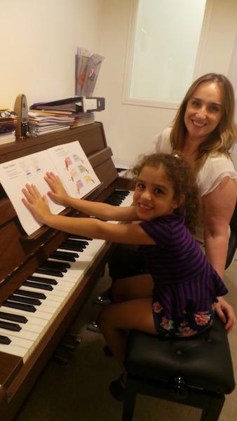 piano lessons melodica dubai