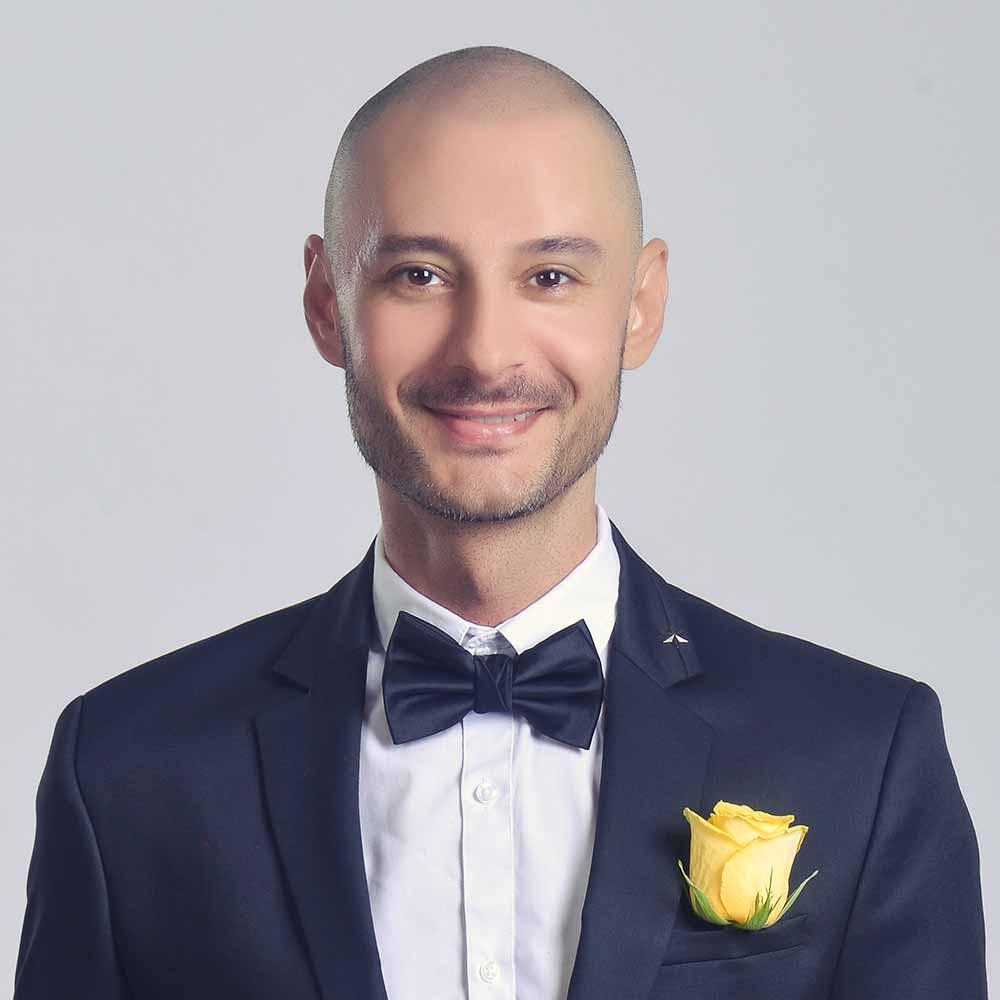 Mr. Stratia singing teacher melodica dubai