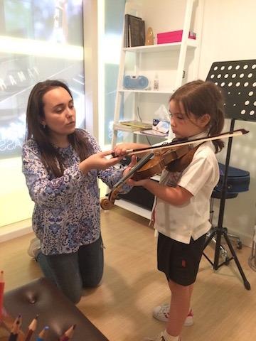 violin lessons dubai kids