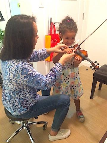 violin lessons at melodica music school in dubai