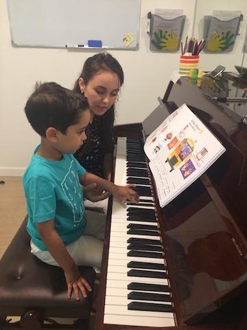 piano lesson dubai