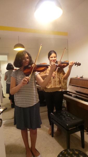 Violin lessons Dubai - Melodica.ae