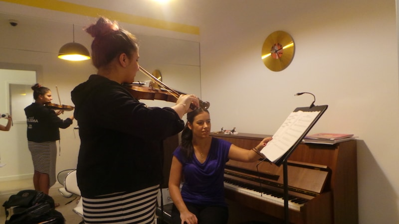 Violin lessons Dubai
