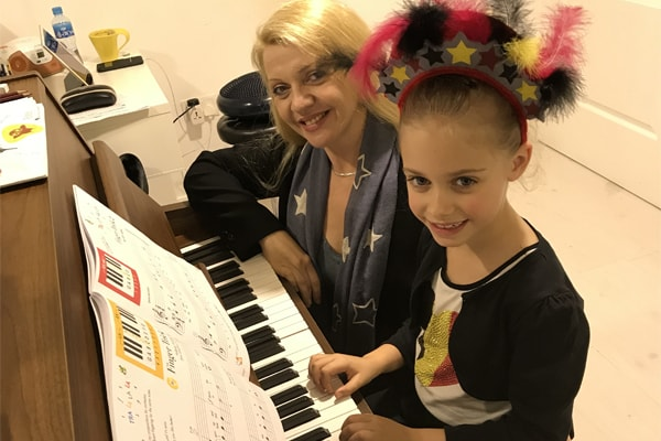 Why To Make Piano Lessons Your Hobby - Melodica Blog Article