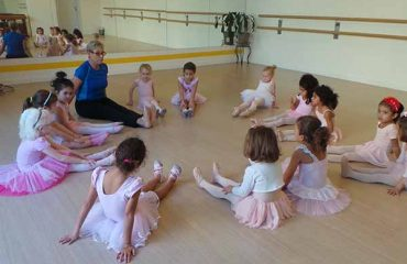 ballet dance classes in Dubai for kids & adults