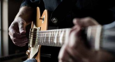 Why You'll Fail to Learn Guitar - And What to do