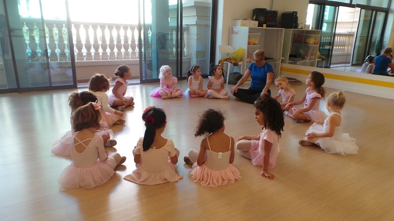 ballet dancing classes in Dubai - Melodica.ae