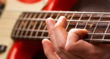 Why Getting Bass Guitar Lessons Is Important