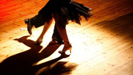 A complete guide on how to dance salsa
