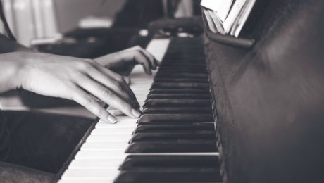 Tips on how to learn to play piano fast